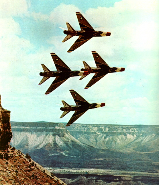 USAF Thunderbirds in F-100s